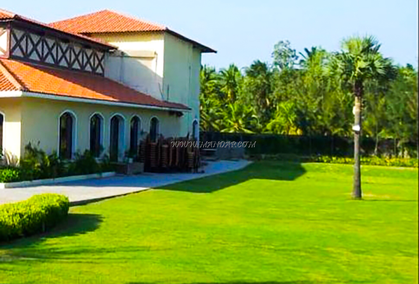 Find the availability of the Oceanspray Resort Trafalgar Square 3 in White Town, Pondicherry and avail special offers