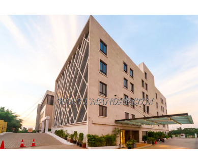 Find the availability of The Banyan wedding hall - Krishna hall (A/C)  in Poonamallee, Chennai and avail the special offers