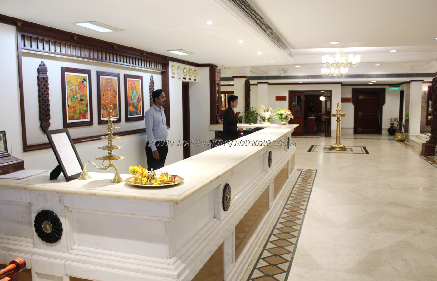 Find the availability of the Krishna Inn Radhamadhavam Hall (A/C) in East Nada, Guruvayoor and avail special offers