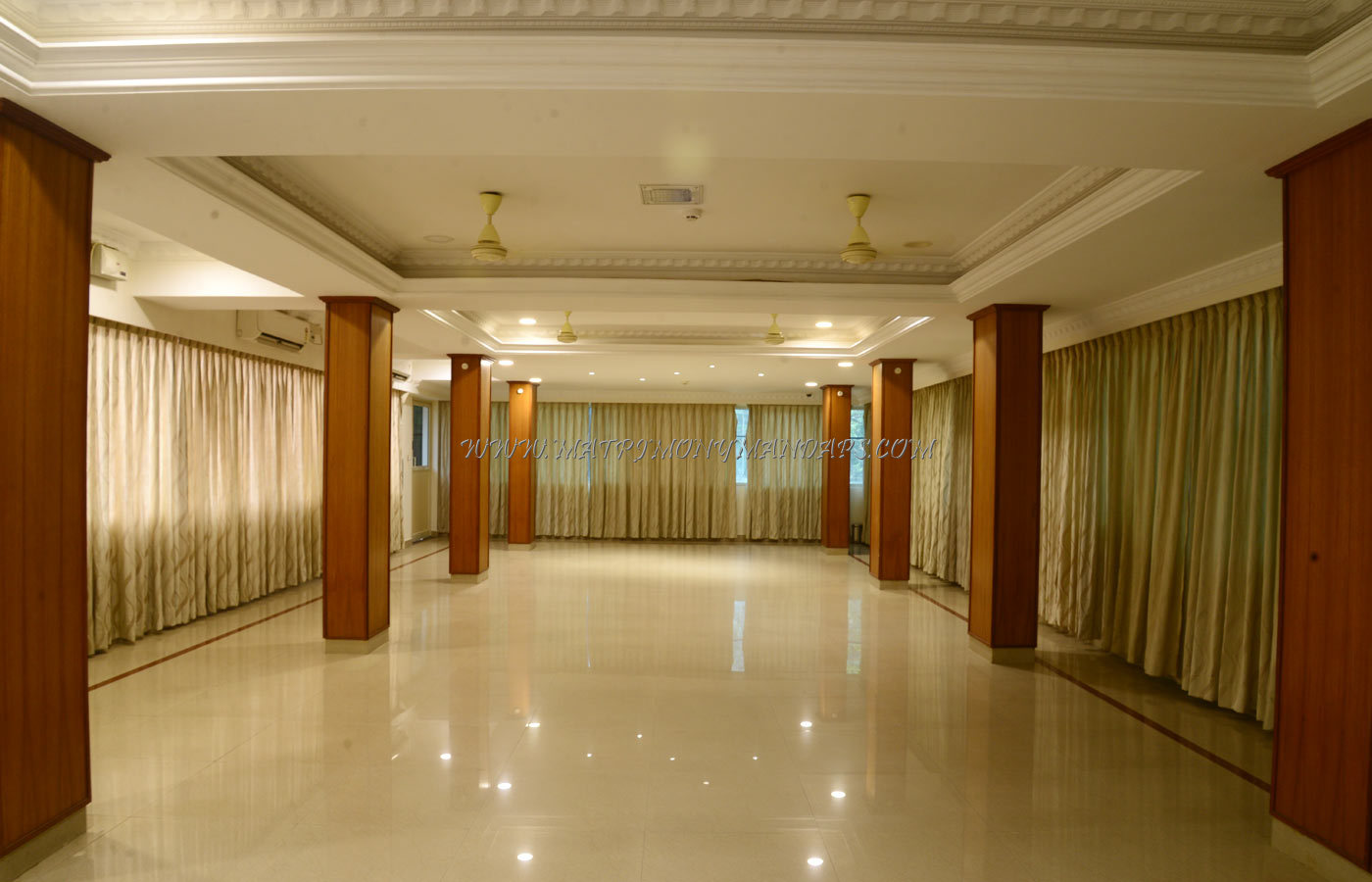 Find the availability of the Hotel Asliyya Grande The Platinum Lounge (A/C) in Attingal, Trivandrum and avail special offers