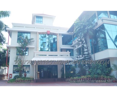 Explore Hotel Sabari Park (A/C) in Karamana, Trivandrum - Hotel Facade