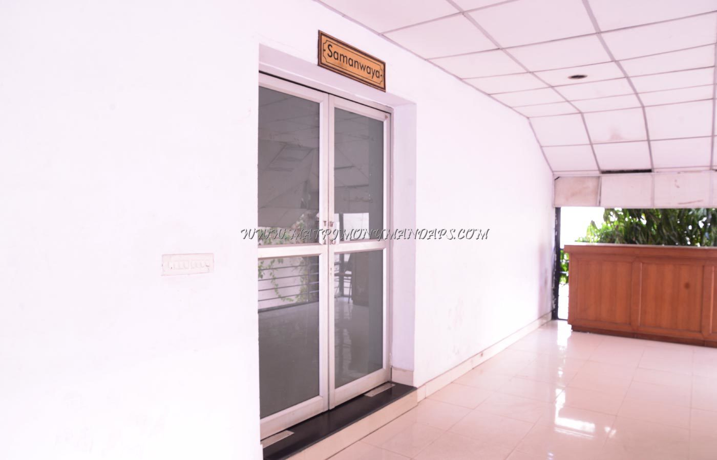 Find the availability of the Chaithram Samanwaya (A/C) in Thampanoor, Trivandrum and avail special offers