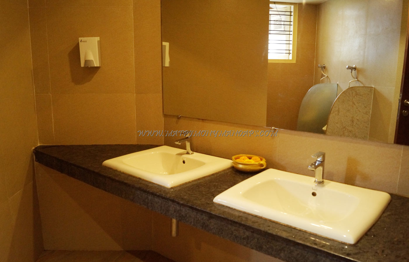 Find the availability of the Uday Samudra Leisure Beh Hotel - Aqua (A/C) in Kovalam, Trivandrum and avail special offers