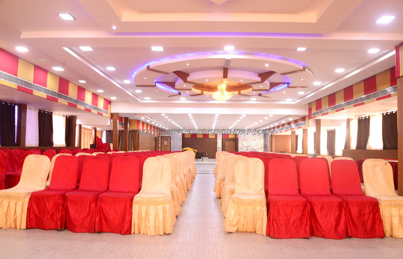 Find the availability of the Maple Tree Hotels Silver Maple (A/C) in Vadapalani, Chennai and avail special offers