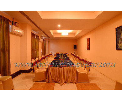 Find the availability of Poppys Hotel Marigold Hall 1 (A/C)  in Mattuthavani, Madurai and avail the special offers