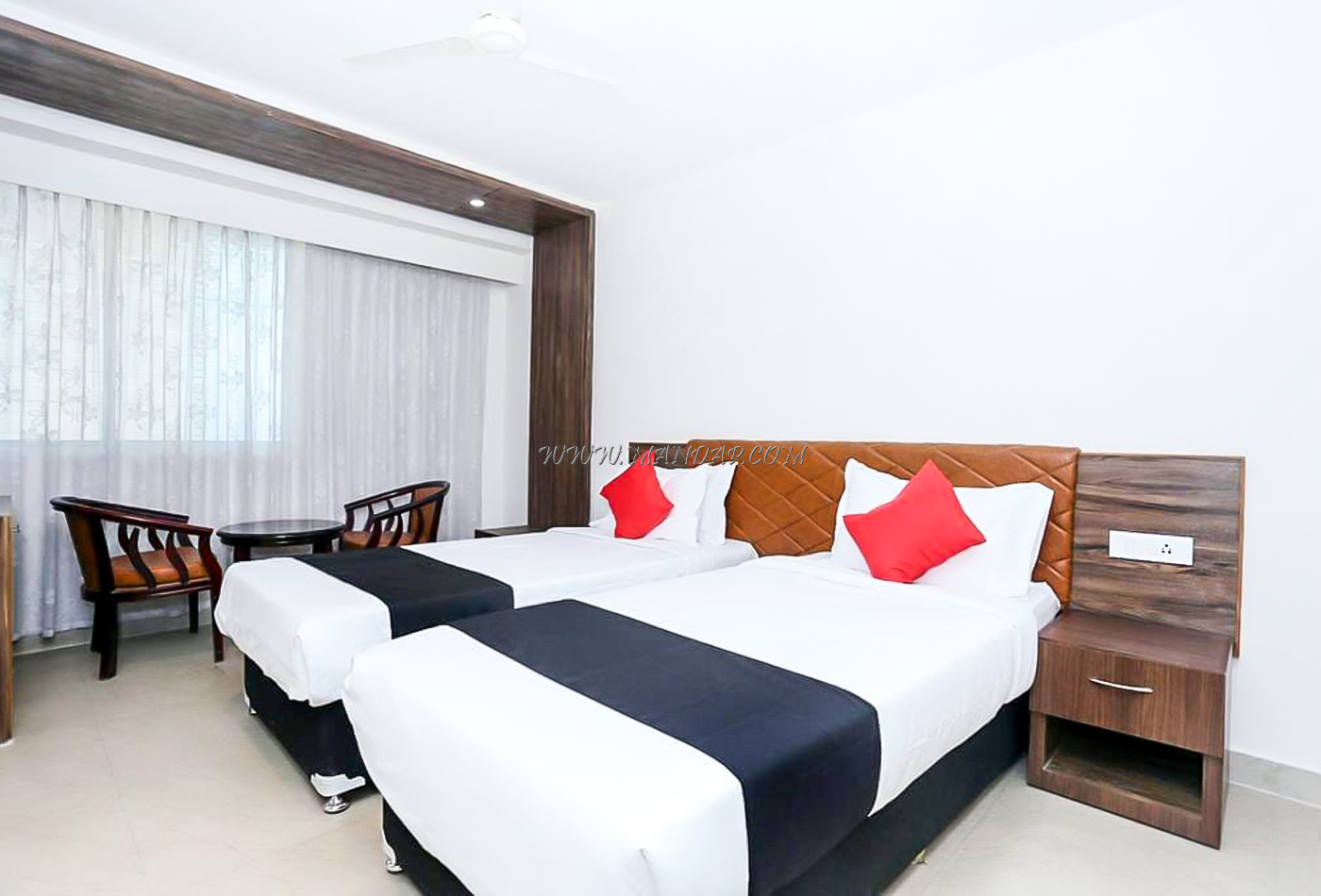 Find the availability of the The South Gate (A/C) in Thampanoor, Trivandrum and avail special offers