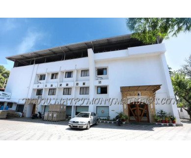 Find the availability of Hotel Dona Castle Banquet Hall Sadhya (A/C)  in Kureepuzha, Kollam and avail the special offers